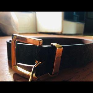 """Michael Kors """"MK"""" Designer belt"""